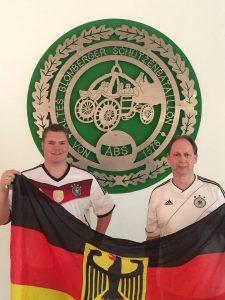 Oberst Peter Begemann (rechts) und ABS-Presseoffizier Christoph Praschak freuen sich auf die bevorstehende EM.